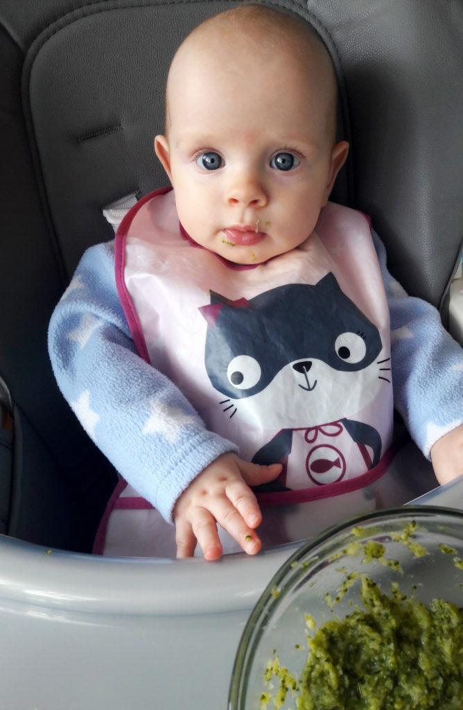 20190307 101635 668x1024 Karmienie niemowlęcia pokarmami stałymi