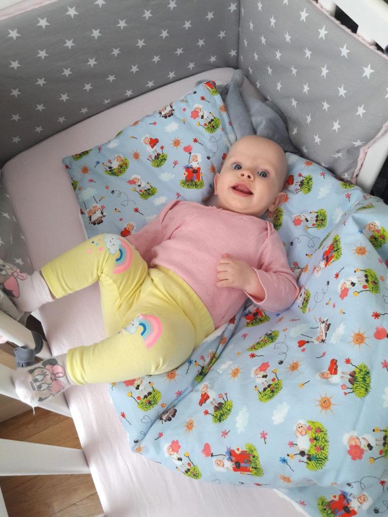 20190403 112454 768x1024 Od otulacza do kołderki   okrywanie niemowlęcia do snu