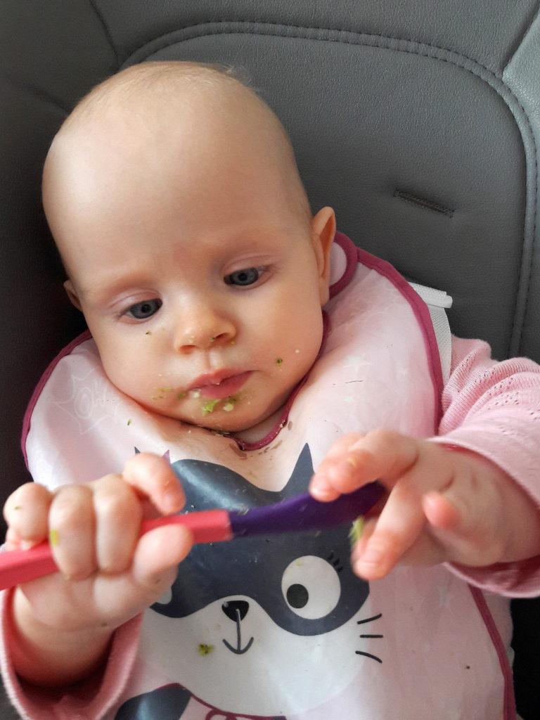 20190403 154934 768x1024 Karmienie niemowlęcia pokarmami stałymi