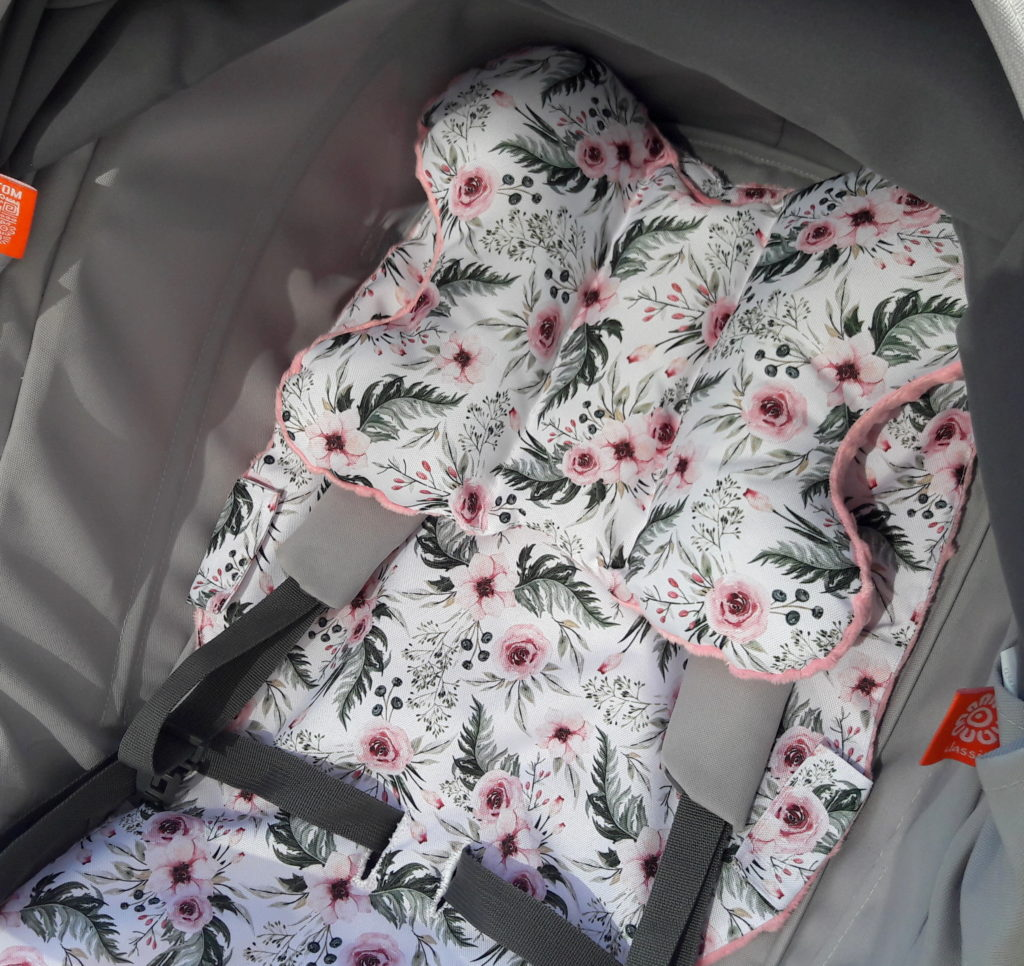 20190424 145452 1 1024x966 Komplet do wózka In Garden. Wkład, poduszka i torba
