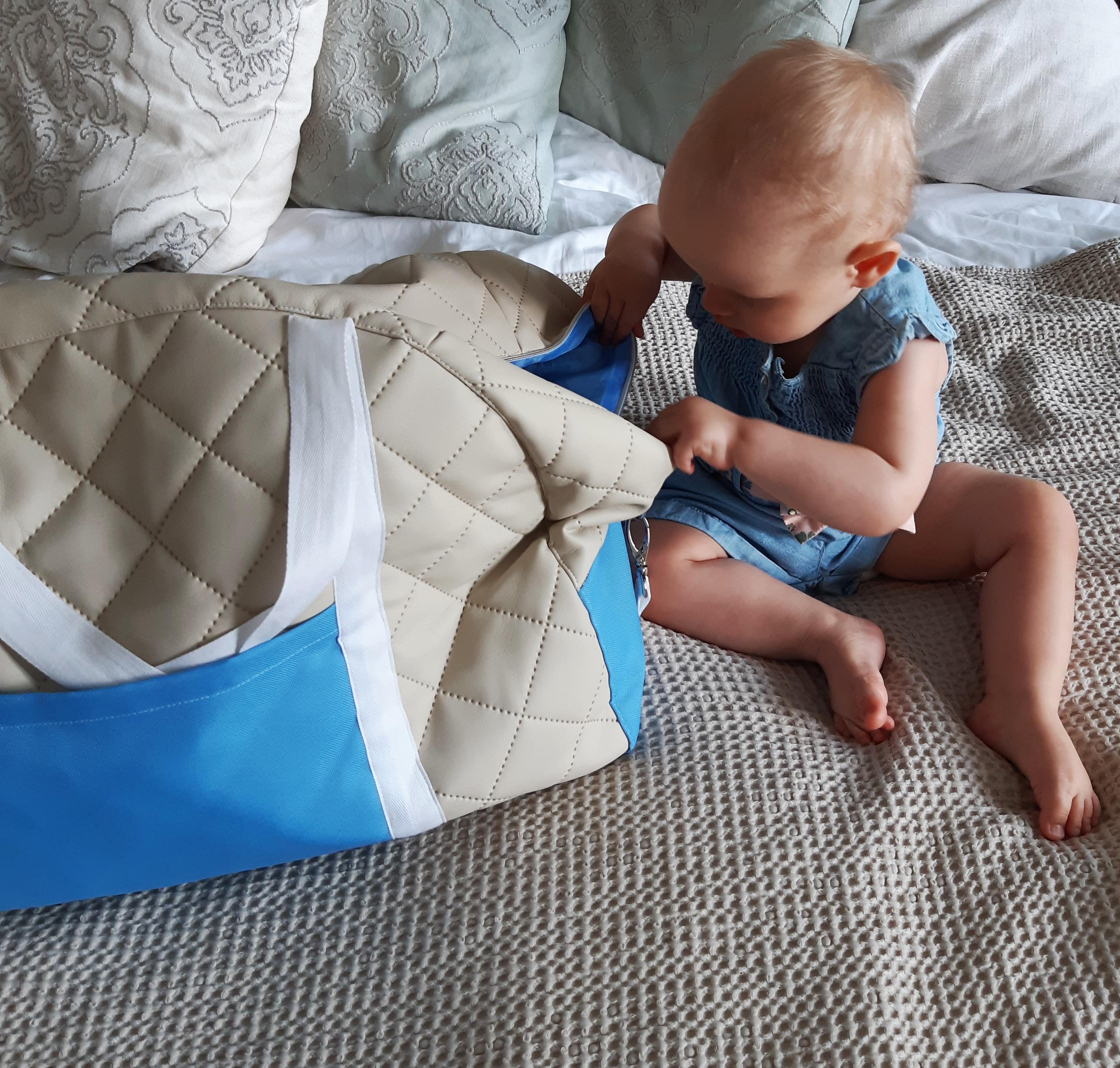 wakacje z roczniakiem jak spakować niemowlaka