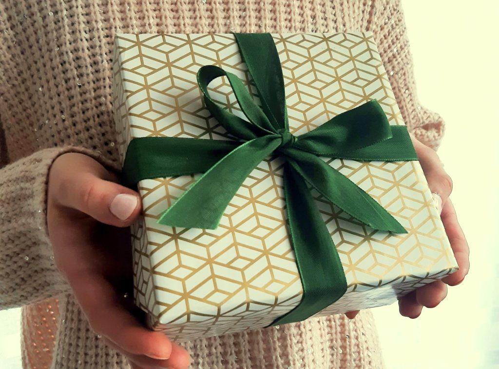 2 1024x756 5 złotych zasad, jak wybrać odpowiedni prezent   niezależnie od sytuacji
