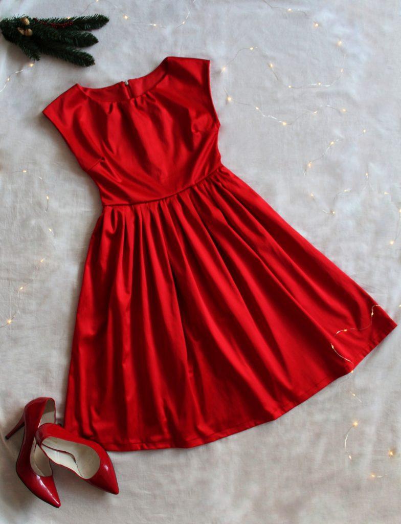 IMG 4520 784x1024 Pierwsza sukienka dla siebie uszyta! Czerwona i rozkloszowana