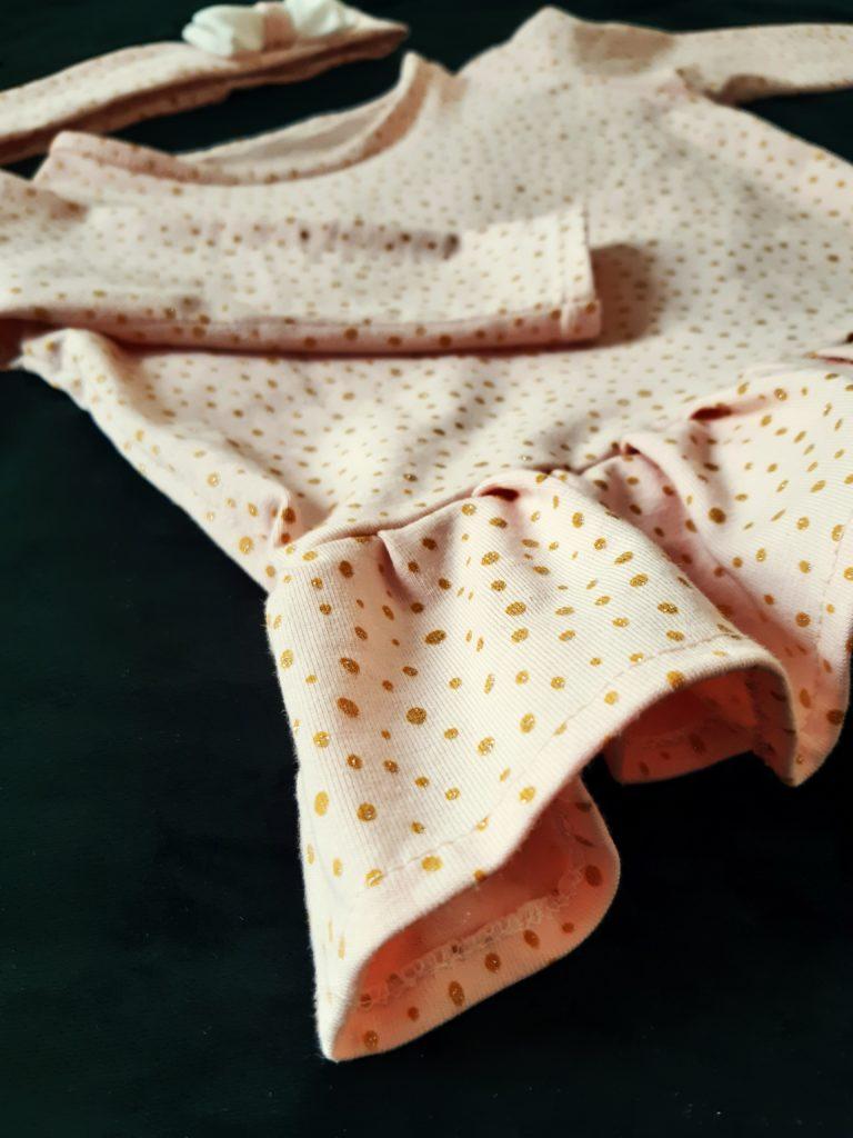 20200117 125016 768x1024 Bluzeczka z falbanką dla dziewczynki. Wykrój własny