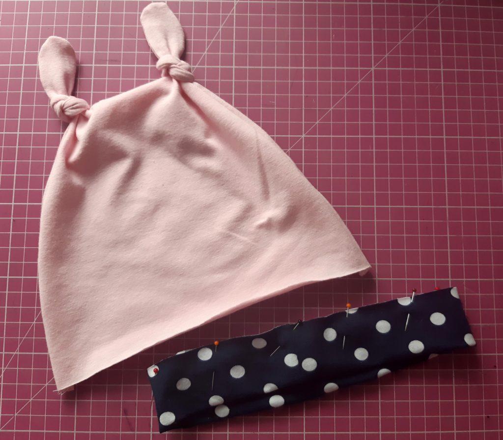11b 1 1024x895 Jak uszyć czapkę dla dziecka / niemowlęcia? Dwa rodzaje na kilka sposobów.