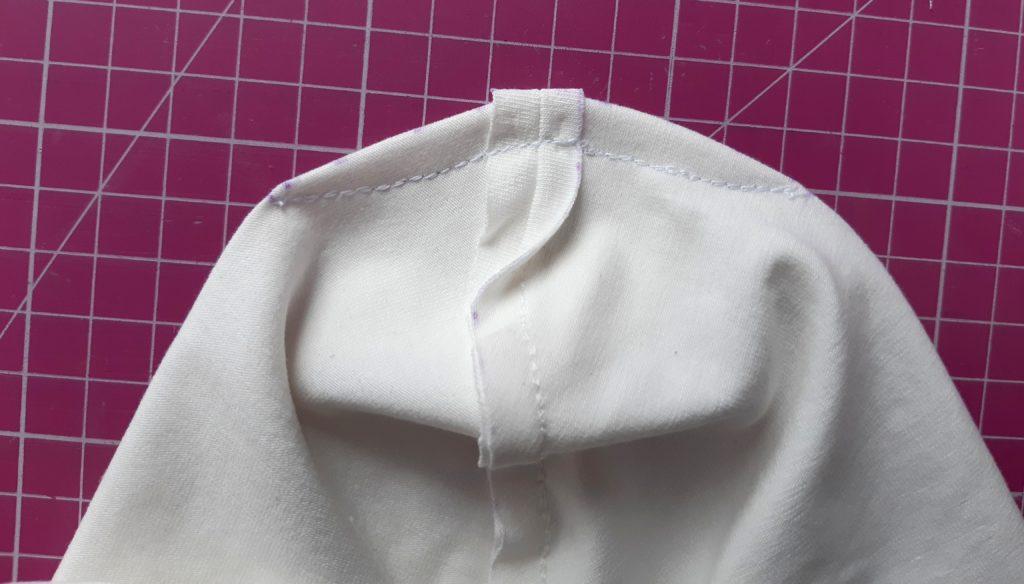 17 1024x584 Jak uszyć czapkę dla dziecka / niemowlęcia? Dwa rodzaje na kilka sposobów.