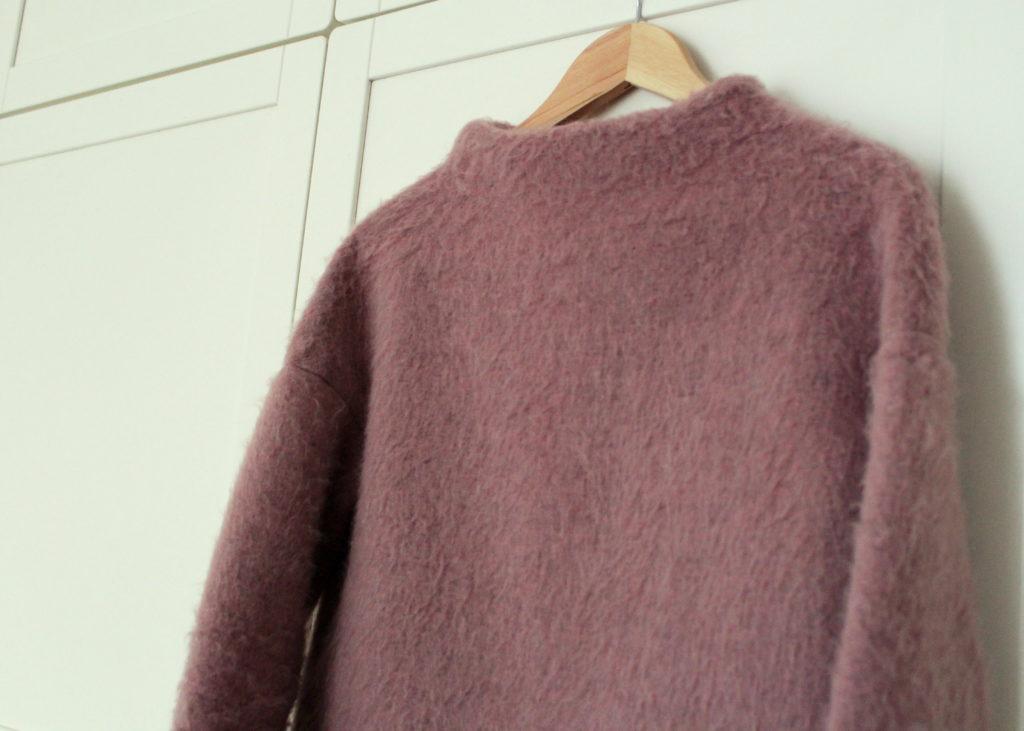 IMG 5063 1 1024x731 Z serii szycie krok po kroku   wełniany sweter typu oversize