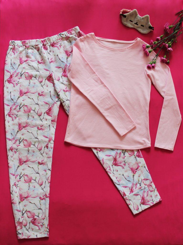 IMG 5205 767x1024 Klasyczna piżama z długim rękawem. Szycie zza kulis