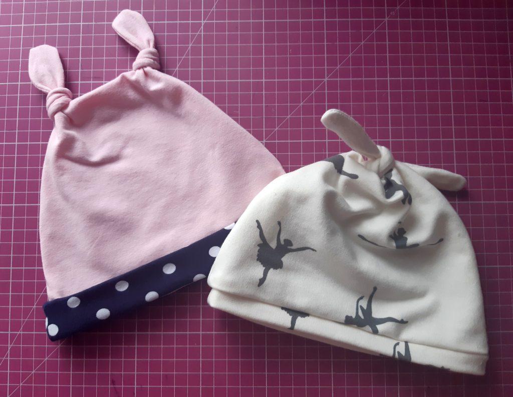 m 2 1024x793 Jak uszyć czapkę dla dziecka / niemowlęcia? Dwa rodzaje na kilka sposobów.