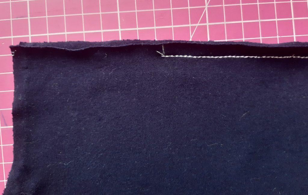 13 4608x2926 1 1024x650 Jak uszyć rękawy z materiałem wewnętrznym? Na przykładzie codziennej sukienki typu oversize   wykrój własny.