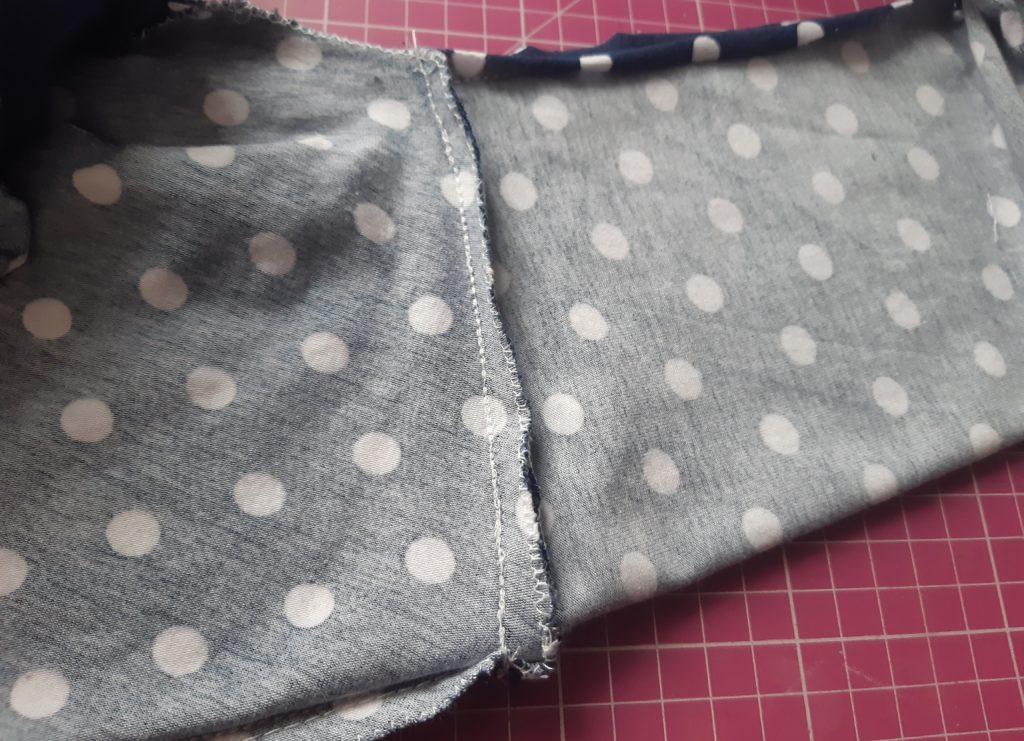 22 4608x3334 1 1024x741 Jak uszyć rękawy z materiałem wewnętrznym? Na przykładzie codziennej sukienki typu oversize   wykrój własny.