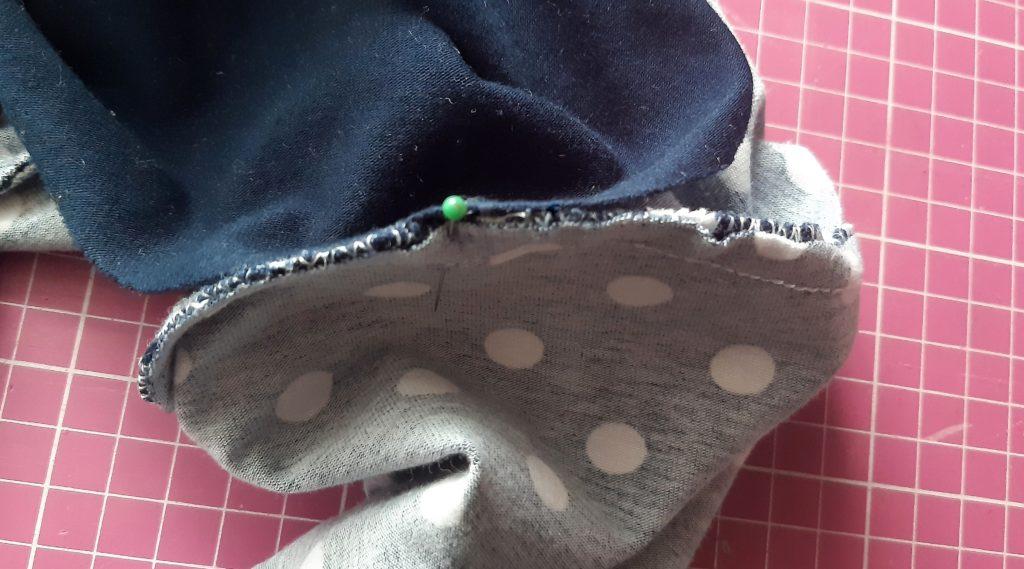 26 3984x2213 1 1024x569 Jak uszyć rękawy z materiałem wewnętrznym? Na przykładzie codziennej sukienki typu oversize   wykrój własny.
