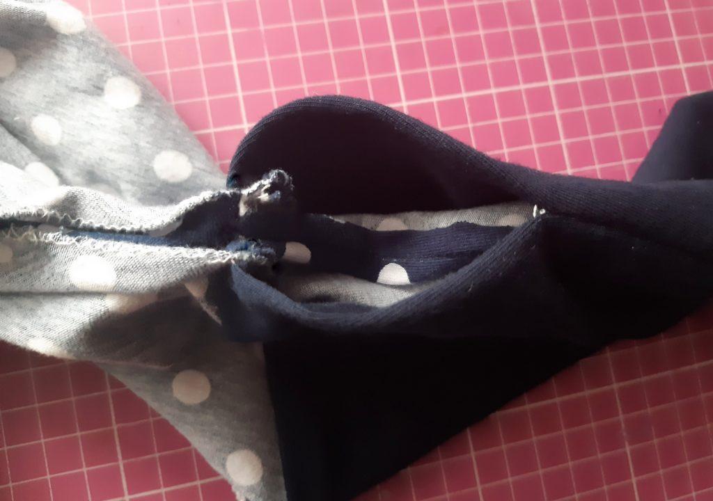 37 4459x3137 1 1024x720 Jak uszyć rękawy z materiałem wewnętrznym? Na przykładzie codziennej sukienki typu oversize   wykrój własny.