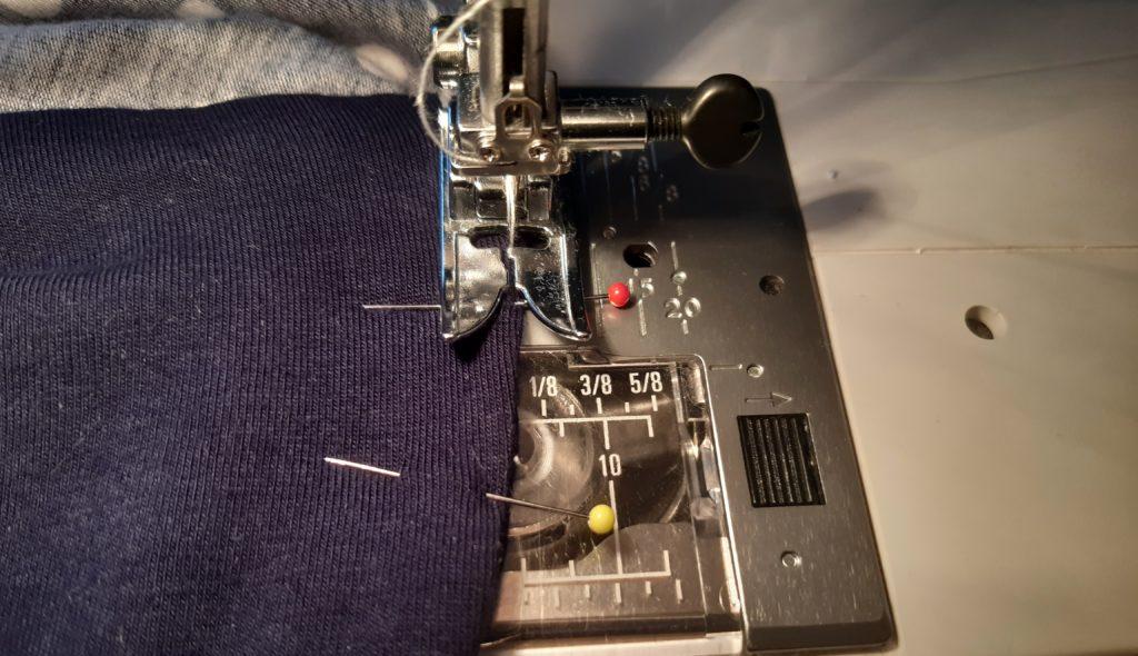 42 4608x2655 1 1024x590 Jak uszyć rękawy z materiałem wewnętrznym? Na przykładzie codziennej sukienki typu oversize   wykrój własny.