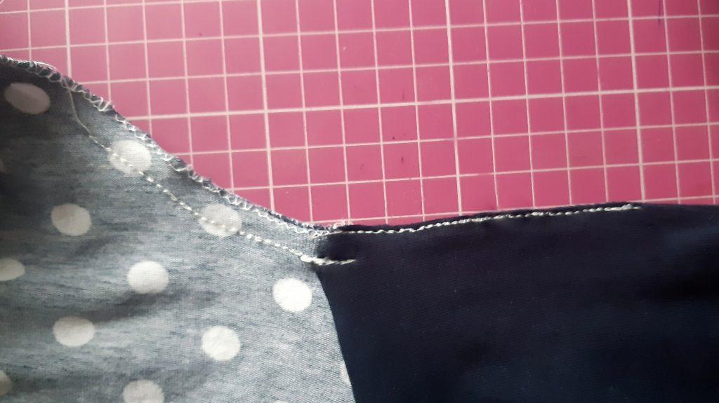 43 3956x2220 1 1024x575 Jak uszyć rękawy z materiałem wewnętrznym? Na przykładzie codziennej sukienki typu oversize   wykrój własny.