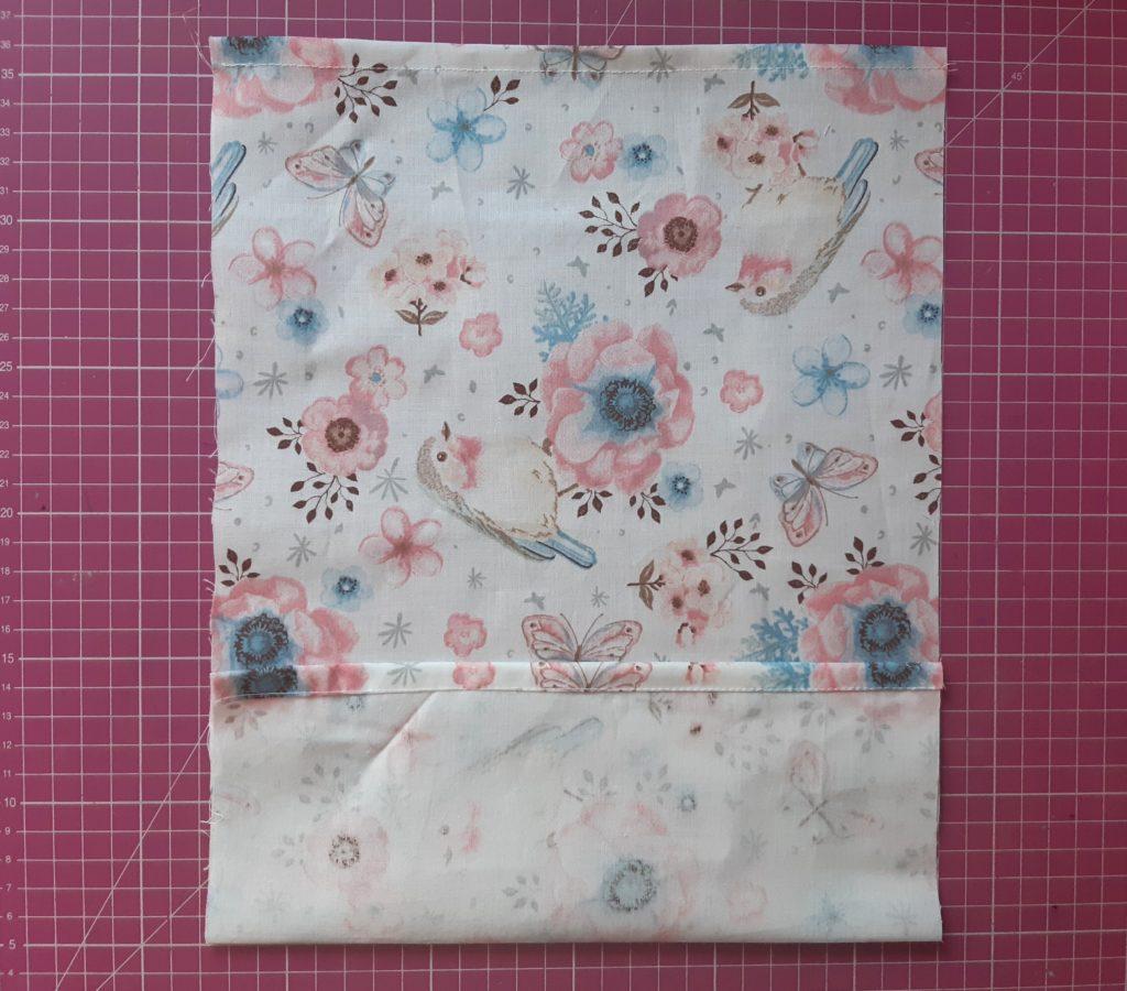 19 1 1024x900 Maseczka bawełniana z kieszonką i troczkami   jak uszyć? TUTORIAL