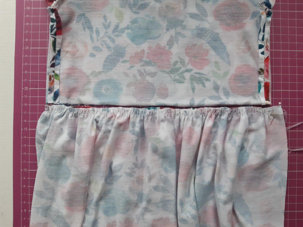12 1024x768 Jak uszyć prostą sukienkę dla dziewczynki   TUTORIAL