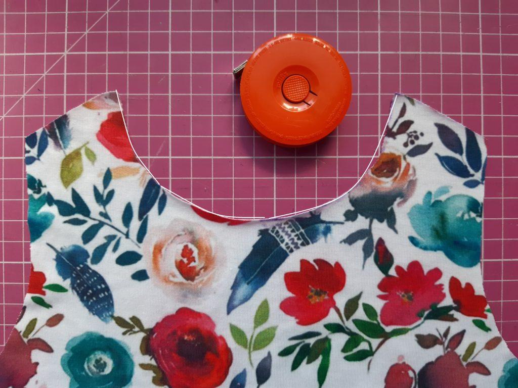 2 4608x3456 2 1024x768 Jak uszyć prostą sukienkę dla dziewczynki   TUTORIAL