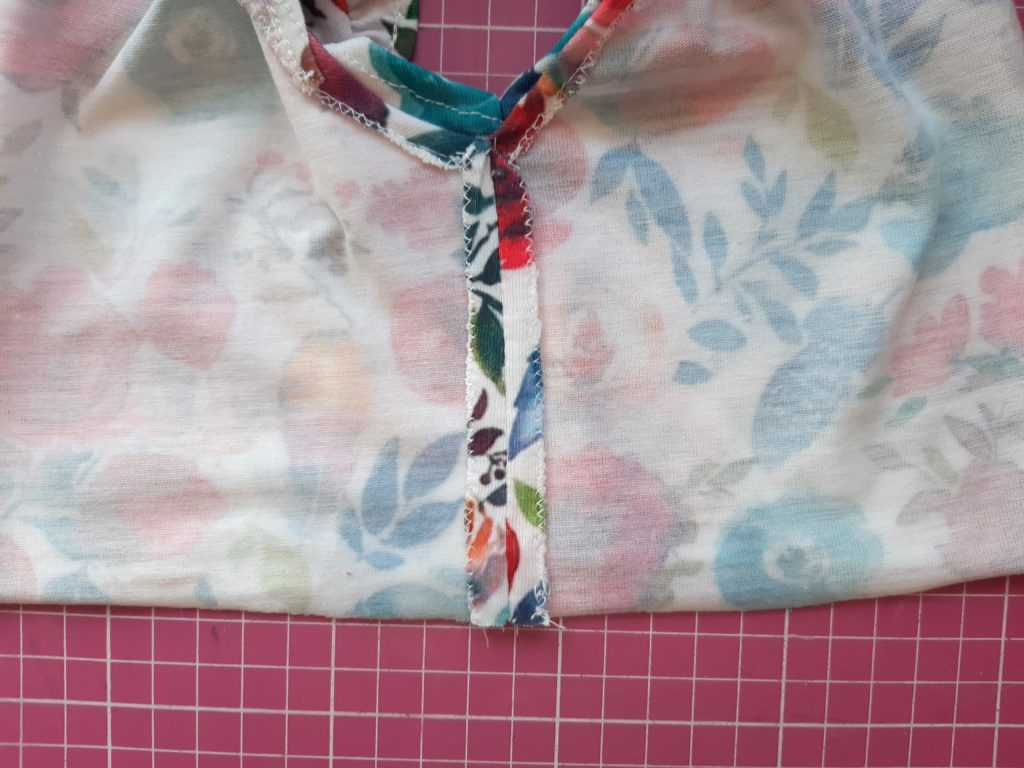 20200717 165849 1024x768 Jak uszyć prostą sukienkę dla dziewczynki   TUTORIAL