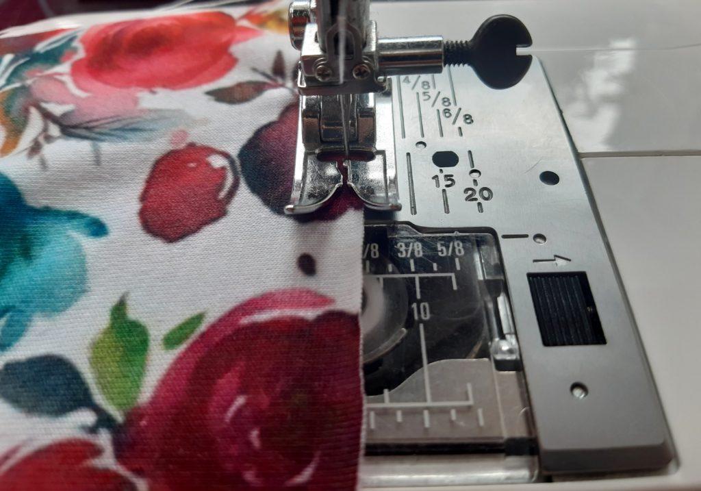 3 1024x717 Jak uszyć prostą sukienkę dla dziewczynki   TUTORIAL