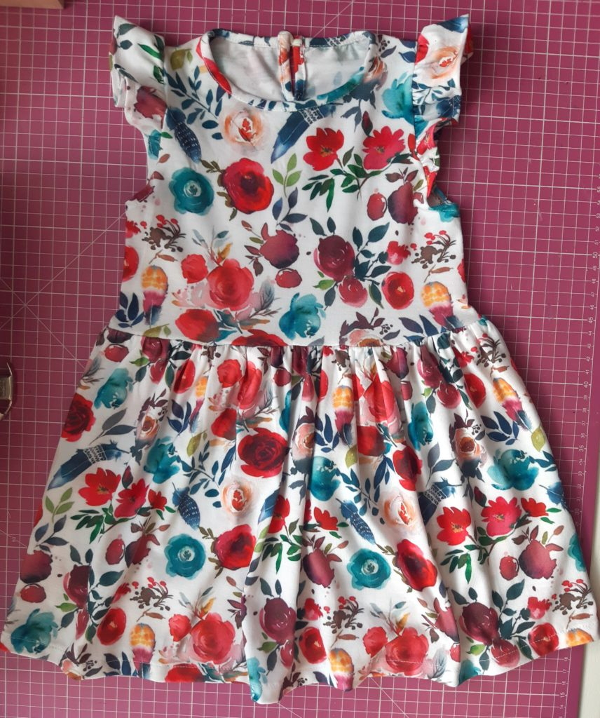 31 856x1024 Jak uszyć prostą sukienkę dla dziewczynki   TUTORIAL