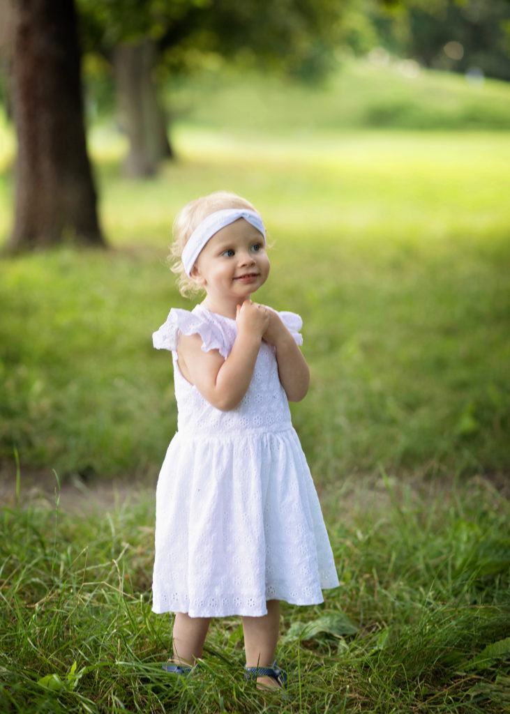 sesja rodzinna 14 731x1024 Biała sukienka w stylu boho. Szycie zza kulis