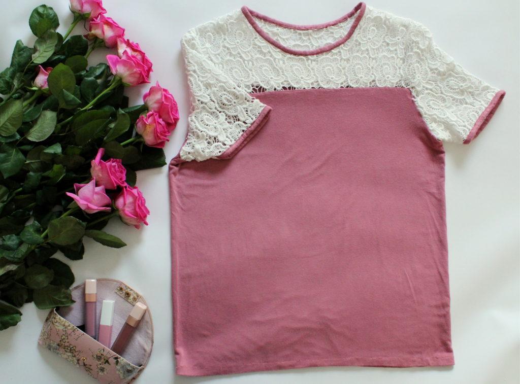 IMG 9208 1024x757 Bluzka typu T shirt z koronką i lamówką